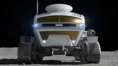 På jorden: Land Cruiser. På månen: Lunar Cruiser.