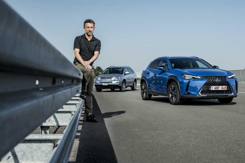 Hybrid-klassikern RX 400h möter nya LEXUS UX 250h