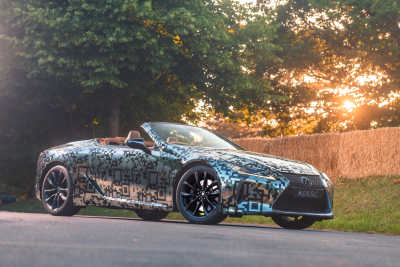 LEXUS PREMIÄRVISAR LC CONVERTIBLE UNDER GOODWOOD FESTIVAL OF SPEED
