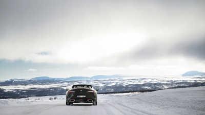 Med värme i nacken och himlen som tak: På fjälltur med Lexus LC 500 Convertible