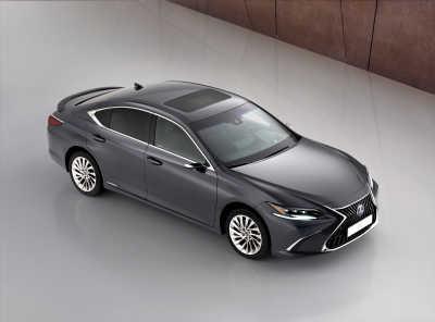 Världspremiär: Nya Lexus ES 300h