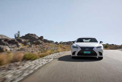 Lexus LS 500h-1