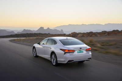 Lexus LS 500h-6