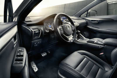 Lexus NX 300h-1