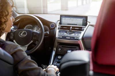 Lexus NX 300h-2