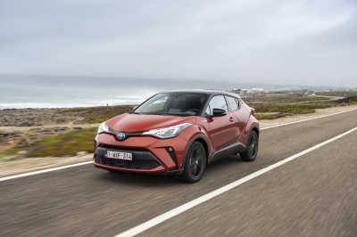 Toyota C-HR Hybrid 2020-13
