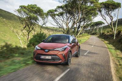 Toyota C-HR Hybrid 2020-6