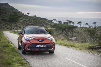 Toyota C-HR Hybrid 2020-9