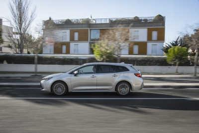Toyota Corolla 1.8 Hybrid Touring Sports-2