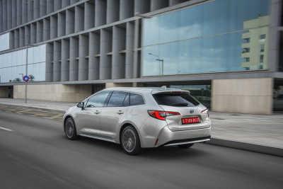Toyota Corolla 1.8 Hybrid Touring Sports-3