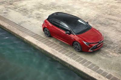 Toyota Corolla 2.0 Hybrid 5d-1