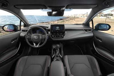 Toyota Corolla 2.0 Hybrid 5d-18
