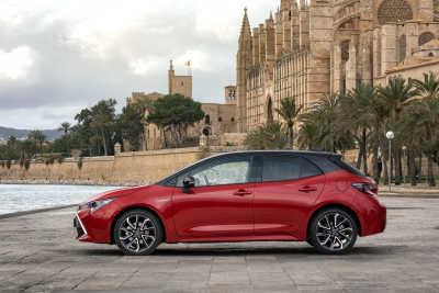 Toyota Corolla 2.0 Hybrid 5d-7