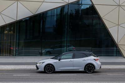 Toyota Corolla GR-S 2.0 Hybrid