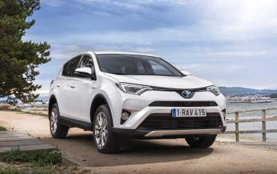 Framhjulsdrift som nytt alternativ för Toyota RAV4 Hybrid