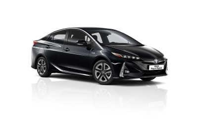Toyota Prius Plug-in uppdateras: Full med high-tech och fem säten