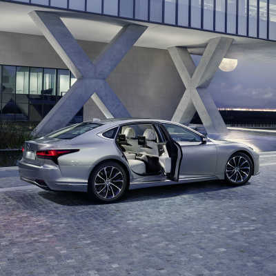 Varje detalj har finslipats för ännu högre komfort i nya Lexus LS