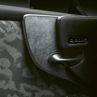 Lacker och inredningsmaterial på yppersta nivå i nya Lexus LS