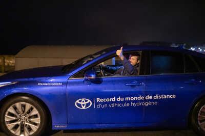 Toyota Mirai slår världsrekord: över 100 mil på en tank vätgas